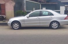 Clean Mercedes Benz C200 2002 Silver