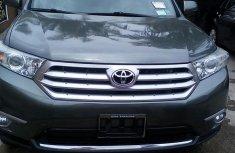 Tokunbo Toyota Highlander Limited 2012 Gray for sale