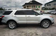 Very Clean Ford Explorer 2015 Silver