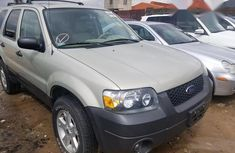 Clean Ford Escape 2005 for sale