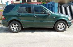Mercedes Benz ML 320 2000 Green for sale