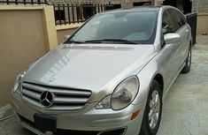 Clean Mercedes Benz R350 2007 Silver