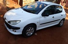 Neat Peugeot 206 2004 White for sale