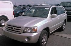 Clean Toyota Highlander 2005 Silver for sale
