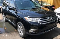 Clean Toyota Highlander Limited 2012 Black
