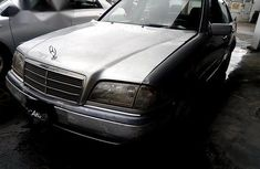 Clean Mercedes-Benz C200 2001 Silver for sale