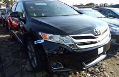 Almost brand new Toyota Venza Petrol 2012