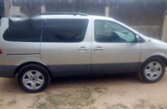 Toyota Sienna LE 2002 Silver for sale