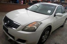 Clean Nissan Almera 2008 White for sale