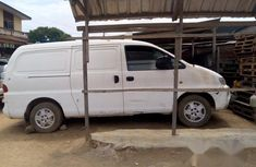 Hyundai H1 2006 White for sale