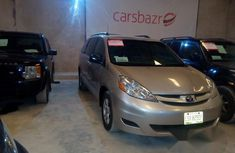 Nigeria Used Toyota Sienna 2009 Silver for sale
