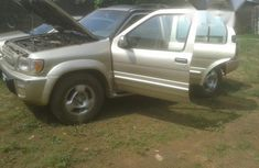 Infinity Qx4 Jeep 1999 Gold for sale