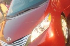 Toyota Sienna Xle 2013 Red for sale
