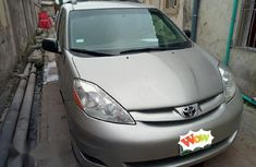 Toyota Sienna 2011 Gray for sale