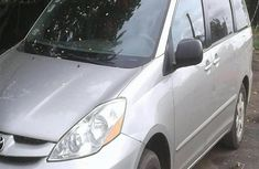 Toyota Sienna 2009 Silver for sale