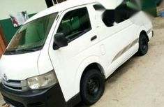 Toyota Hiace Bus 2009 White for sale