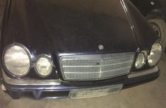 Clean Used Merc Benz E280 1999 Blue for sale