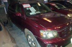 Registered Toyota Highlander 2004 Red