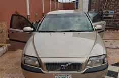 Volvo S80 2001 Gold by owner
