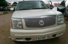 Clean Cadillac Escarlade 2011 White for sale