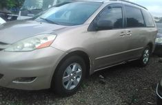 Toyota Sienna 2008 Petrol Automatic Gold