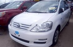 Almost brand new Toyota Previa Petrol 2005