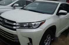 Toyota Highlander Xle 2017 White for sale