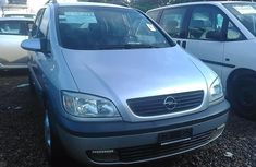 Almost brand new Opel Zafira Petrol 2001