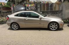Clean Mercedes-Benz C230 2002 Gold for sale