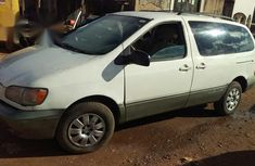 Toyota Sienna 1998 White for sale