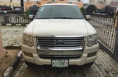 Ford Explorer 2008 White for sale