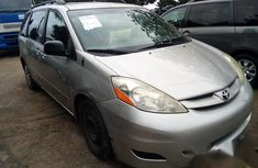 Toyota Sienna 2010 Silver for sale