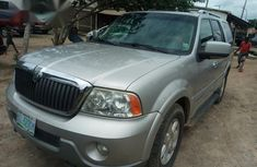 Clean Lincoln Navigatior 2006 Silver for sale