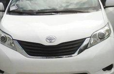 Toyota Sienna 2011 White for sale
