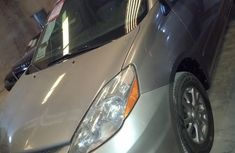 Sweet Toyota Sienna 2009 Gold for sale