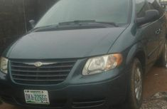 Chrysler Town 2006 Green for sale
