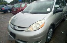 Foreign Used Toyota Sienna 2007 Silver For sale