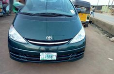 Toyota Previa 2002 Green for sale