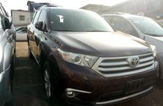 Toyota Highlander 2013 Purple for sale