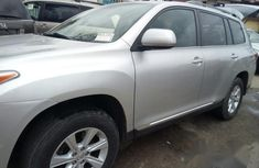 Toyota Highlanther 2012 Silver