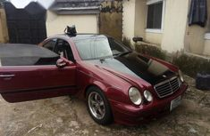 Clean Mercedes Benz CLK 2003 Red