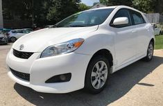 2006 Toyota Matrix White For Sale