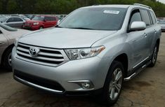 Very clean Toyota Highlander 2006 Silver for sale