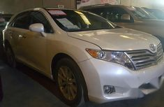 Toyota Venza 2009 White for sale