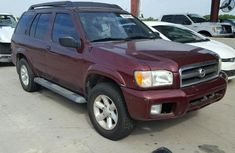 2004 Nisan Pathfinder for sale