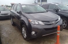 Toyota RAV4 2104 for sale
