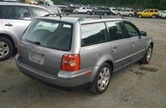 Volkswagen Passat 2005 Grey for sale