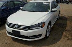 Volkswagen Passat 2010 White for sale