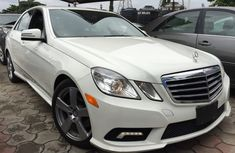 Clean Mercedes Benz C350 2011 White for sale