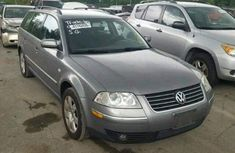 Volkswagen Passat 2005 Grey for sale